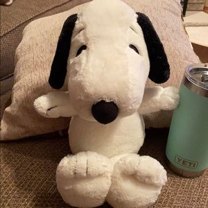 Peanuts Snoopy Metlife plush dog